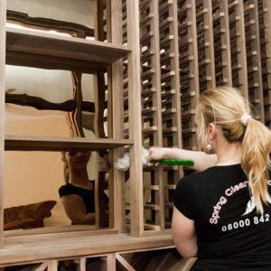 Les 15 meilleures compétences et qualités en matière d'entretien ménager pour être le meilleur au travail